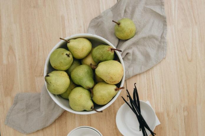 owoce sezonowe gruszki
